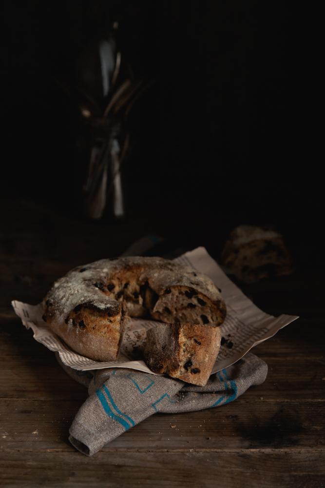 chocolate raisins spelt rye bread-16