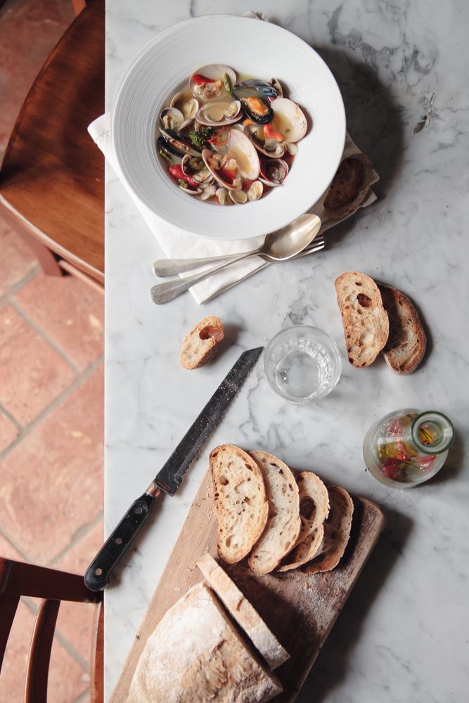 Vongole e molluschi in vasocottura con asparagi e zafferano (3)