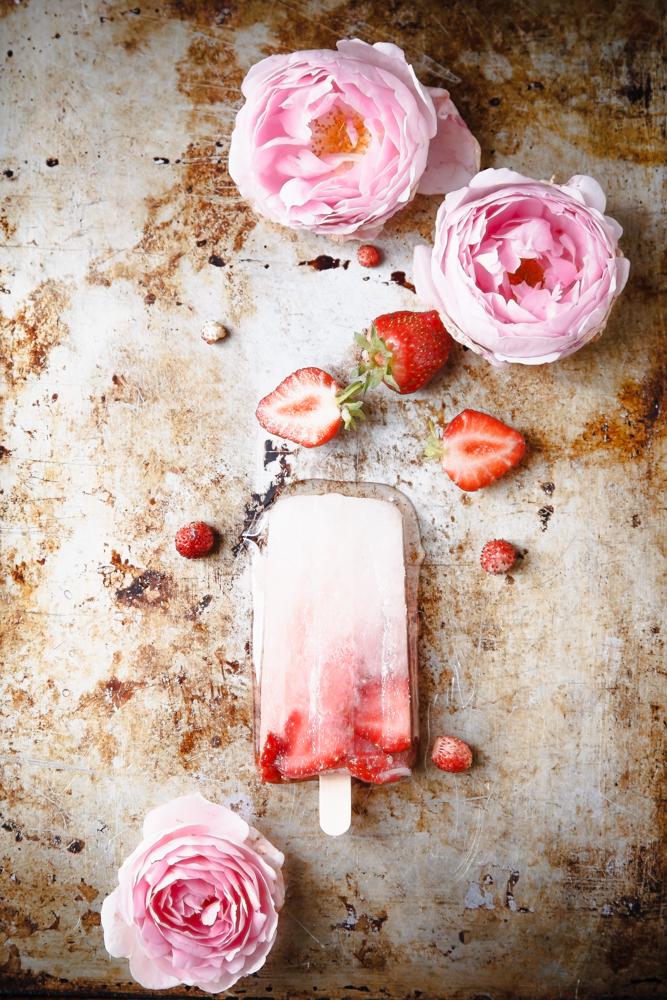 Ghiaccioli fattio in casa fiori di sambuco e fragole-4