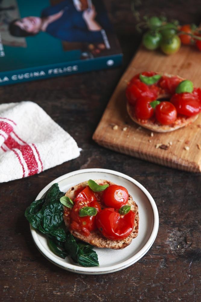 Frise con cavolo nero e pomodorini sottovuoto-3