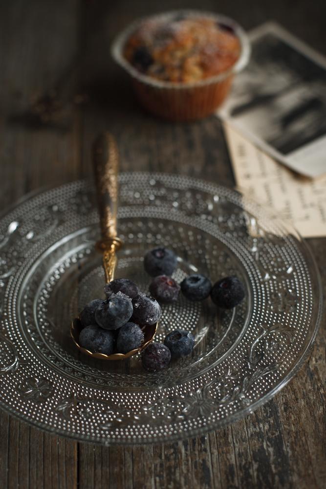 Muffin con farina di segale, mele e mirtilli-4