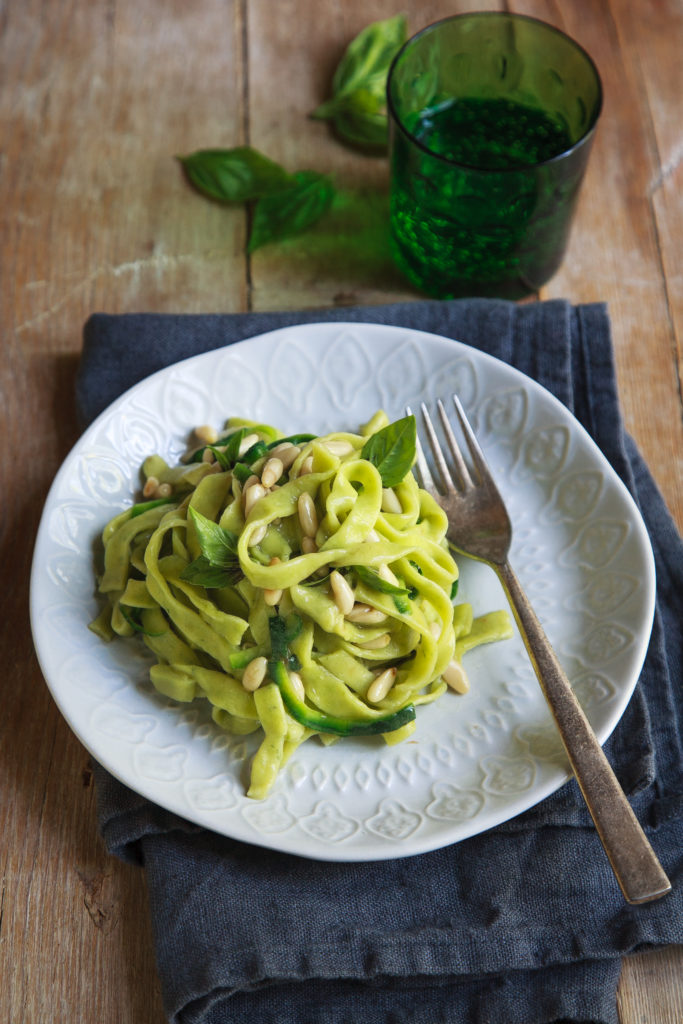 Tagliatelle con borragine, olio al basilico e zucchine-5